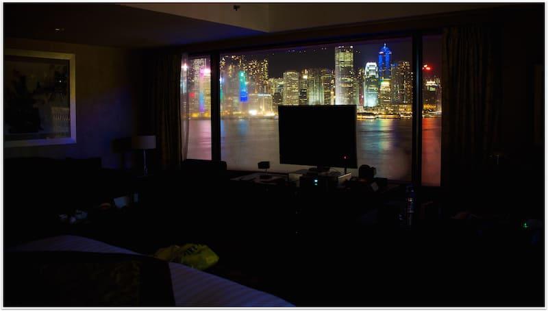 Superior Junior Suite看出去的維多利亞港夜景
