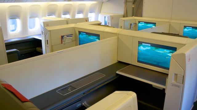 中國國際航空最新 777-300ER 頭等艙產品。和日航同等艙十分類似的 open suite。