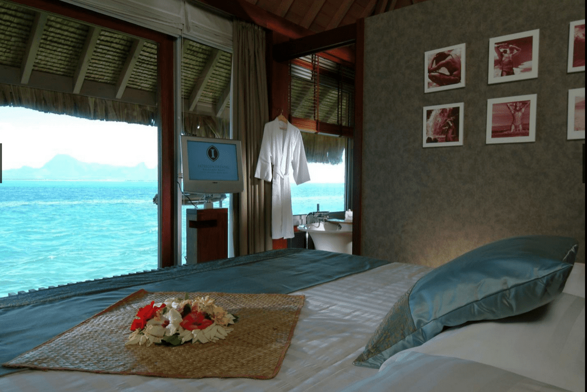 Bora Bora Resort Thalasso Spa 的基本房型就是水上屋,免費房真的是要一釋出就開搶