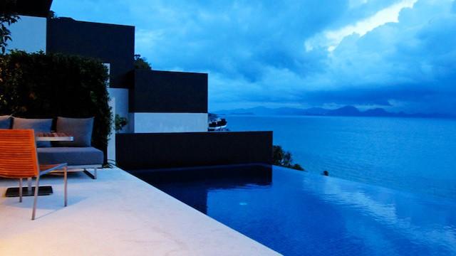 蘇梅島 Conrad,每個房間都有自己的無邊際游泳池,無論是情侶還是家庭都可以享有自己的度假空間。是許多點數旅行玩家的首選。