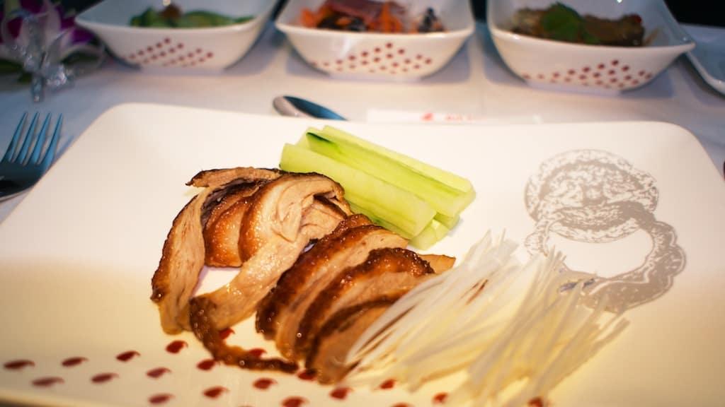 全聚德的北京烤鴨搬到飛機上吃真的有不同風味。味道實在不錯。