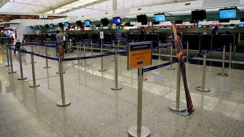香港的新航報到櫃檯沒有將頭等艙拉出專線報到