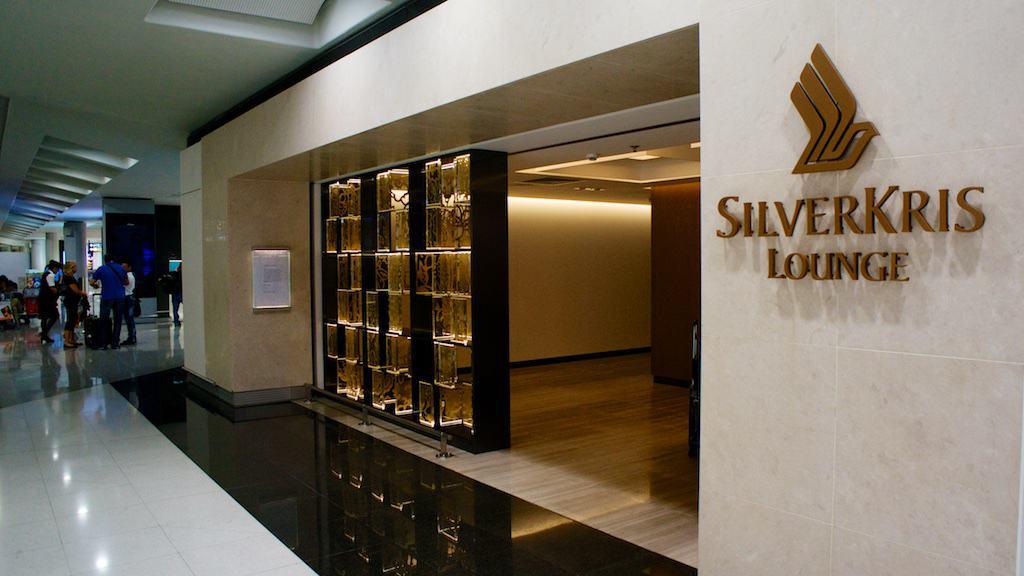 新航在香港的頭等艙貴賓室,新整修完畢,十分舒適豪華,幾乎可以跟主場的國泰貴賓室比拼