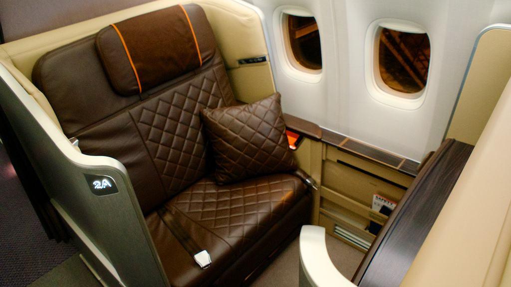 新航 777-300ER 頭等艙
