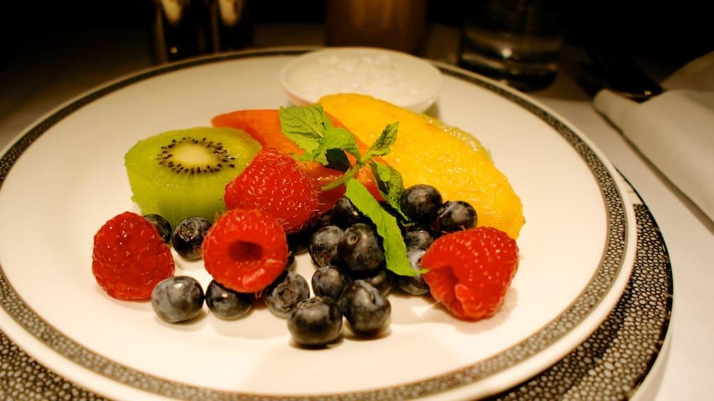 新航新一代頭等艙早餐水果拼盤