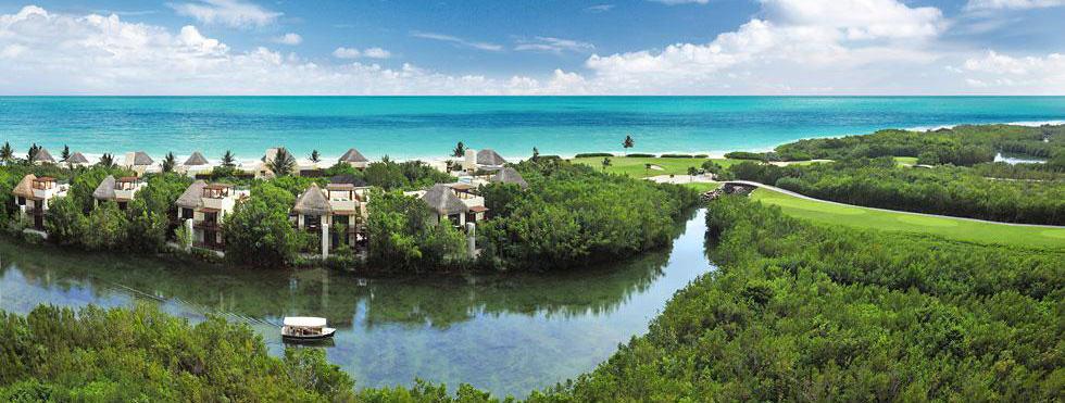 Fairmont Mayakoba 以聯名卡贈送的免費住宿,加上 Premier 資格的套房卷,可以免費訂到 Cancun 近郊的頂級套房。圍繞在運河和雨林間的頂級度假空間。(圖片取自官網)