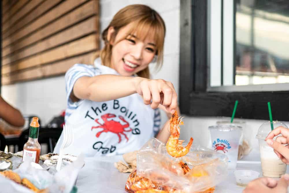 今年的夏威夷之旅和上田太太同遊,一定要讓他嚐嚐在加州常吃的 Boiling Crab (研究生的點數旅行筆記)