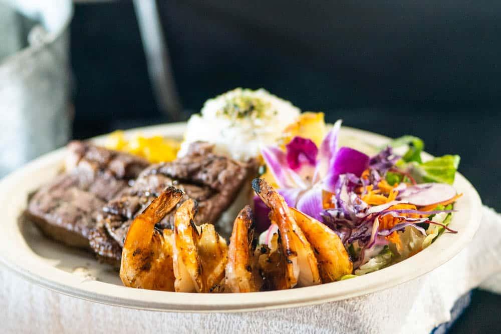 夏威夷的夜市燒烤,蝦,牛排,龍蝦,一次滿足(研究生的點數旅行筆記)