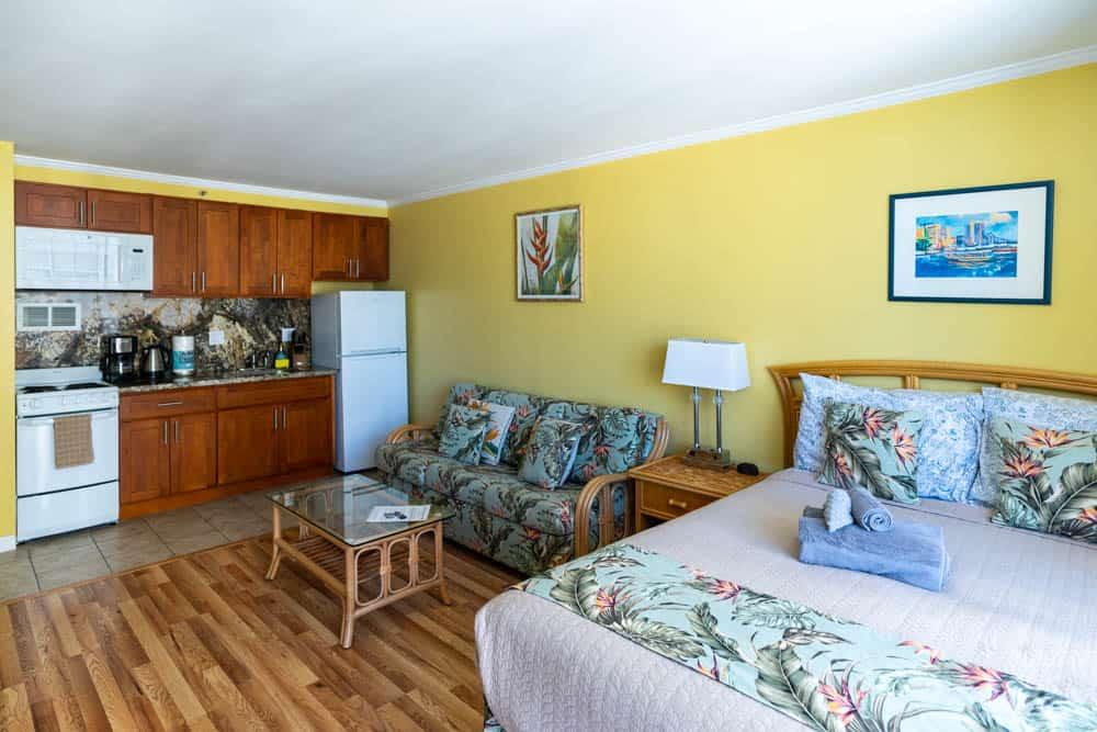 這次在 Waikiki 海灘附近住的 Airbnb 價格相對低,又可以洗衣服,還附游泳圈呢XD(研究生的點數旅行筆記)