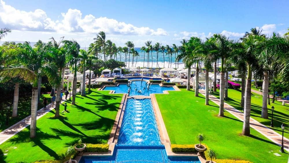 Wailea Beach Resort - A Waldorf Astoria Resort on Maui 大廳看出去的景色(研究生的點數旅行筆記)