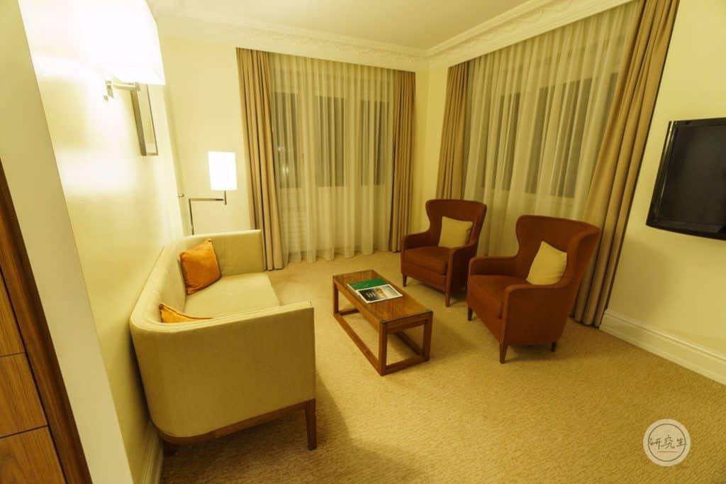 琉森萬麗飯店套房 (Junior Suite King Bed)沙發區|研究生